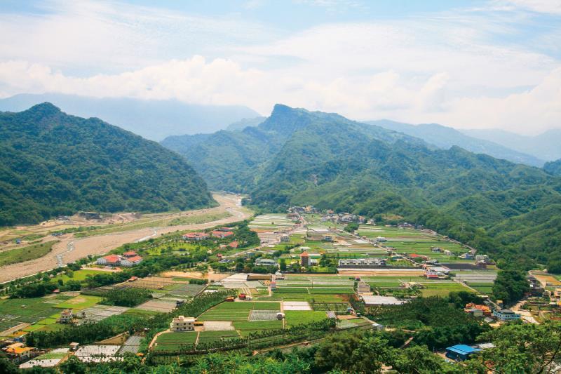 法雲寺俯瞰山下