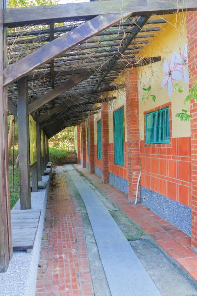 銅鏡山林步道 入口處建築