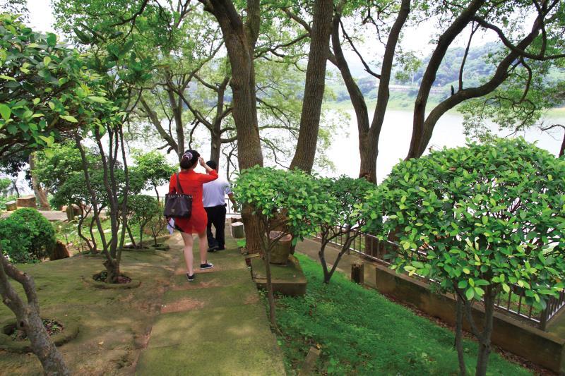 龍昇湖 石梯步道