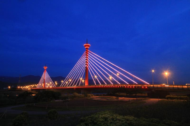 Xindong Bridge