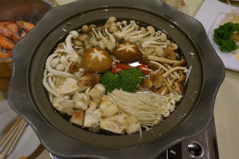 新方樓小吃店 養身菇菇鍋