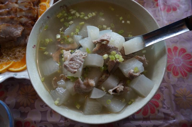 菜頭肉片湯