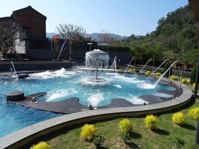 大眾泳池設施